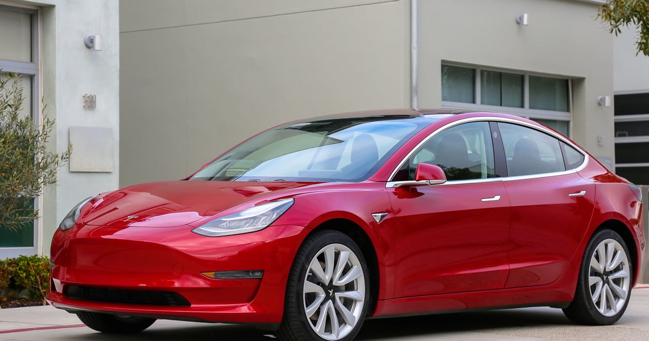 ADVANCE FEATURES OF TESLA MODEL 3 TO GET MORE SAFER