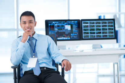 The Difference Between Financial Analysts and Financial Advisors