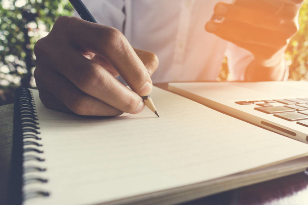 The Complete Guide to Writing A Review Essay