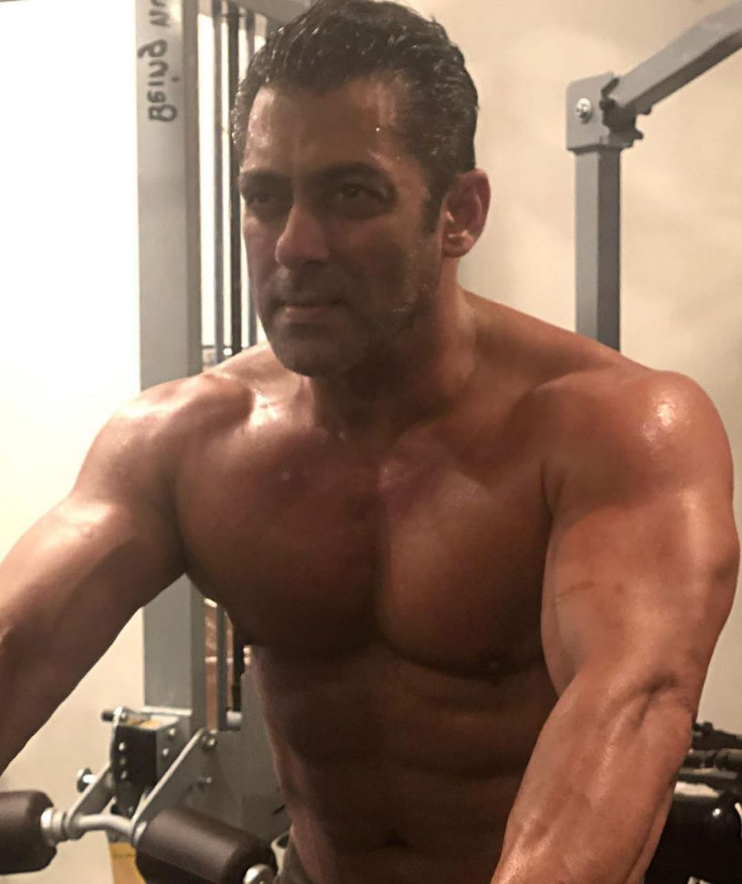SALMAN KHAN PROMOTING FITNESS WORKOUT