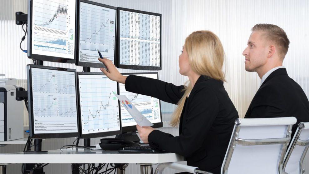 Perks of Choosing Financial Analyst as a Career